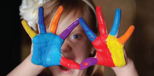 Kid_Painted hands